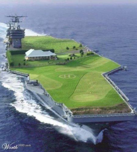 Campo de golf sobre un portaaviones