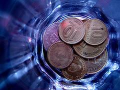 Monedas sobre el agua