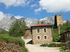 Casa escuela y Torre de Mogrovejo